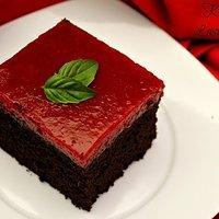 Ciasto Czekoladowe z najlepszym musem truskawkowym