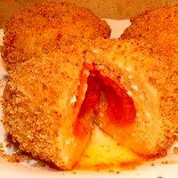 Marillenknödel, czyli knedle morelowe z ciasta twarogowego