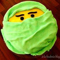 Tort niespodzianka - malinowy z mascarpone - Ninjago