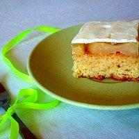 Białe ciasto gruszkowe