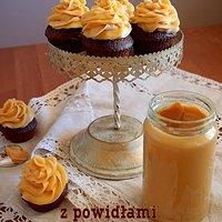 Brownie Cupcakes z powidłami śliwkowymi i kremem z masła orzechowego - pyszne czekoladowo - orzechowe babeczki!