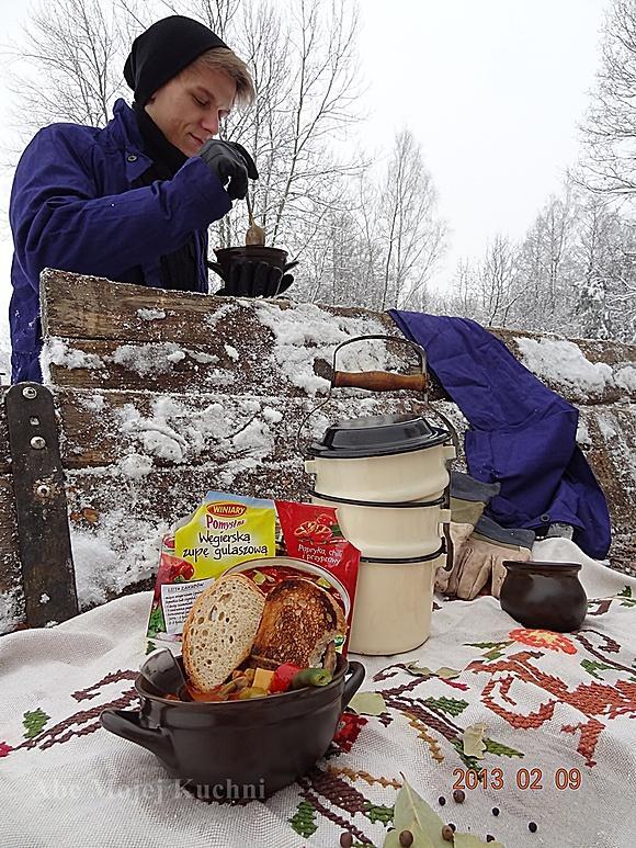 d413f29fea5d47 Ostra rozgrzewająca węgierska zupa gulaszowa - przepis - Mikser ...