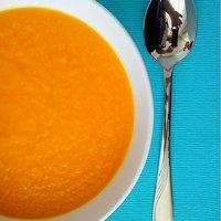 Rozgrzewająca Zupa Marchewkowa Z Imbirem I Pomarańczą