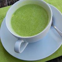 fda4ae217c708b zupa krem z zielonego groszku - przepisy kulinarne - Mikser Kulinarny